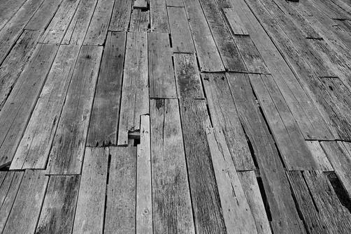 Как убрать старый пол - демонтаж деревянного пола