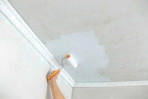 Как правильно побелить потолок — наносим побелку