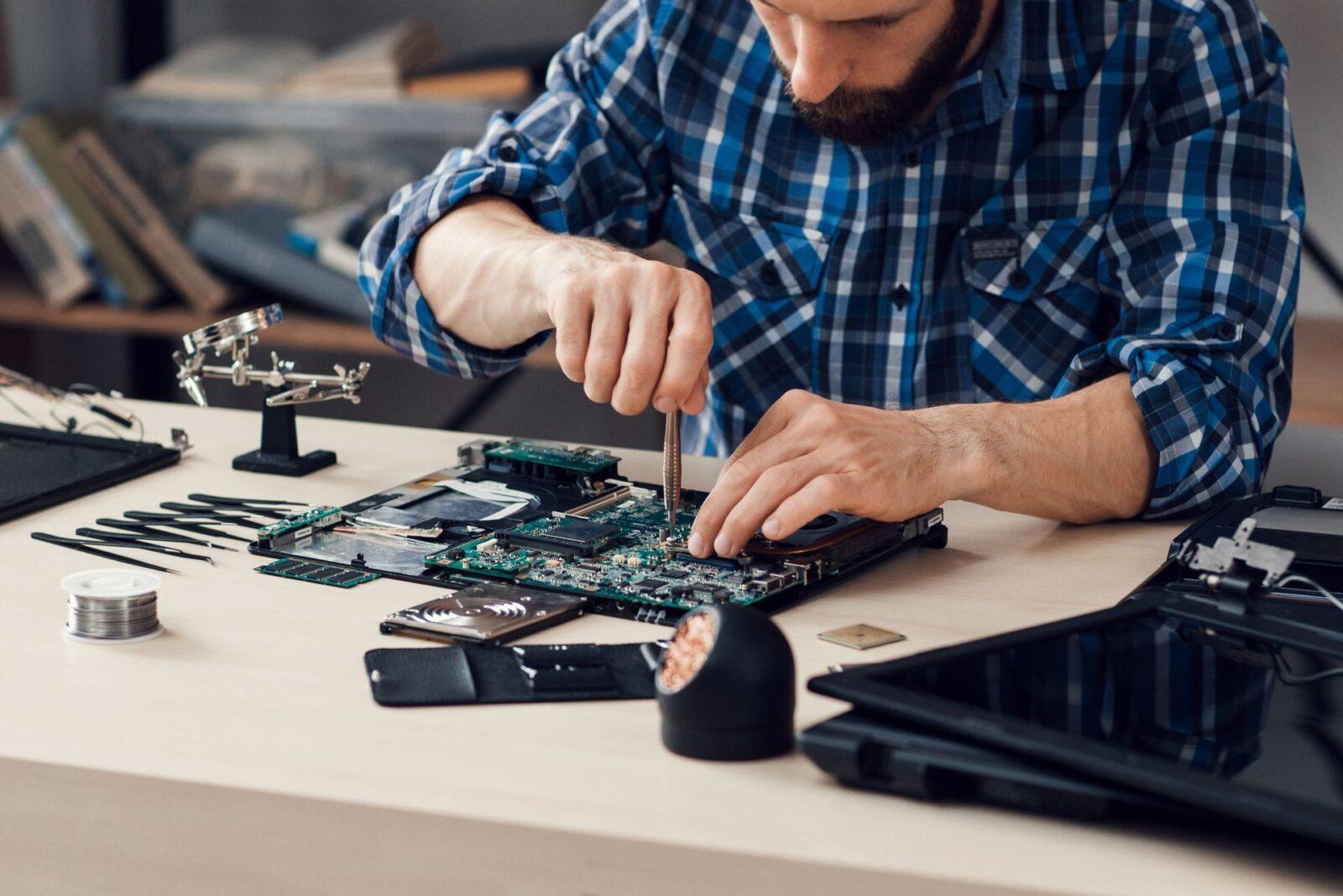 Как самостоятельно починить ноутбук