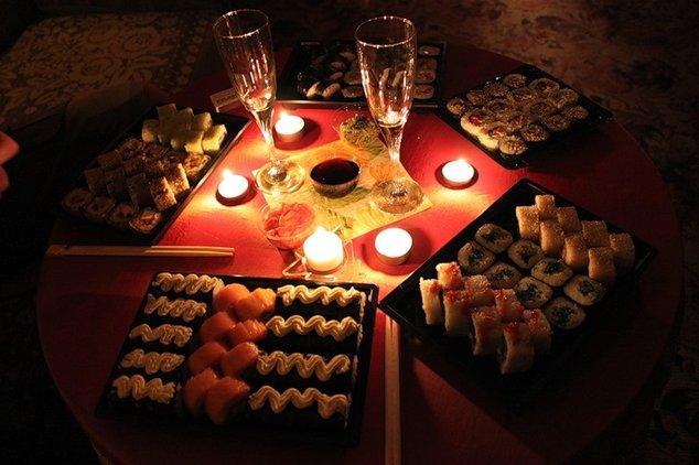 Как устроить романтический ужин?