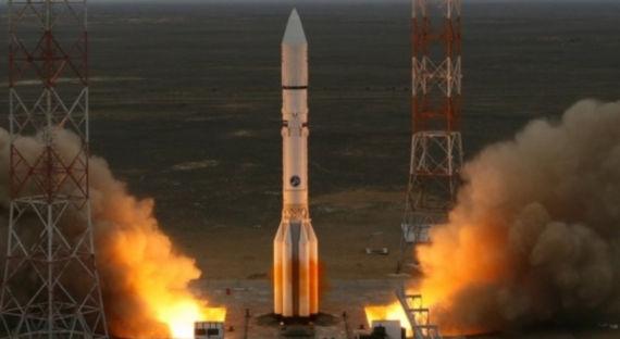 С Байконура запущен «Протон-М» со спутником связи
